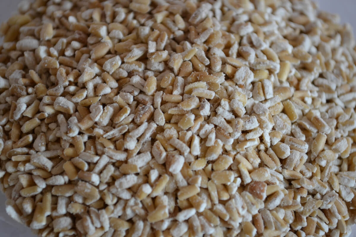 Raw Oatmeal: Health Benefits and Recipes | MD-Health.com