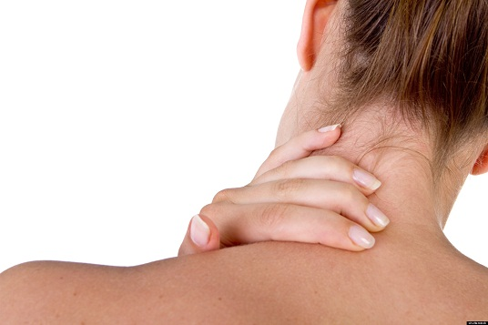 cracking your neck causes stroke